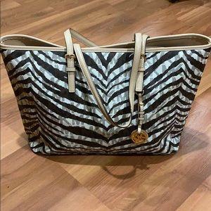 Large tote purse